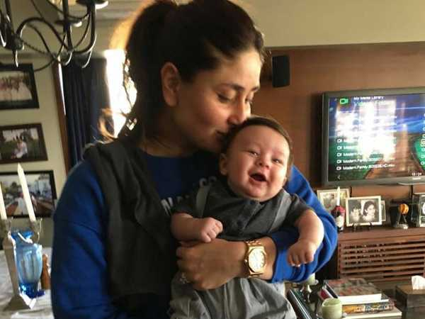 Here's a heartmelting picture of Kareena Kapoor Khan kissing Taimur Ali Khan