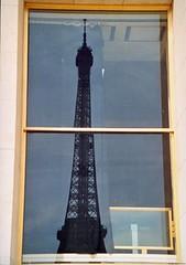 Eiffel desde la ventana