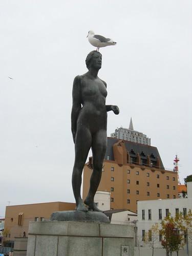 四�少女的雕像