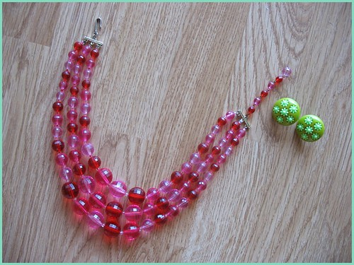 vintage plastic necklace and earrings