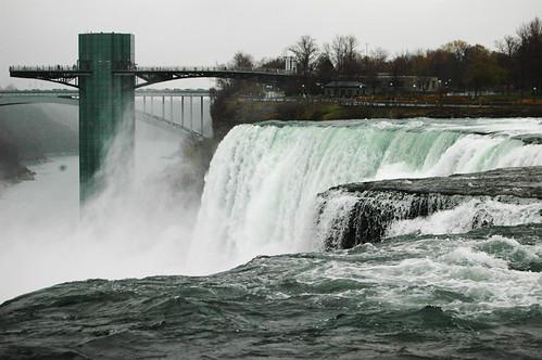 obligatory shot of the falls