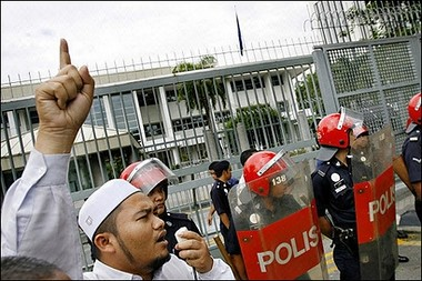 protestors in Kuala Lumpur