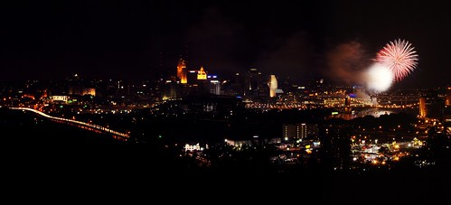 Cincinnati Fireworks (by ChrisIrmo)