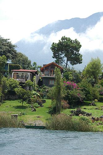 Lago Atitlan Santiago - 10 Mansions near Santiago