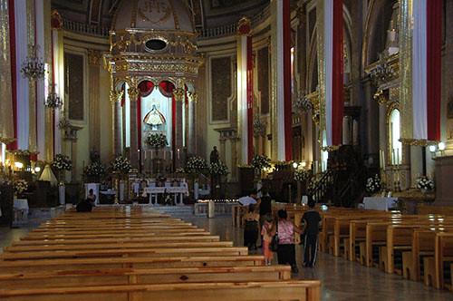 Pazcuaro - 17 Basilica in Pazcuaro