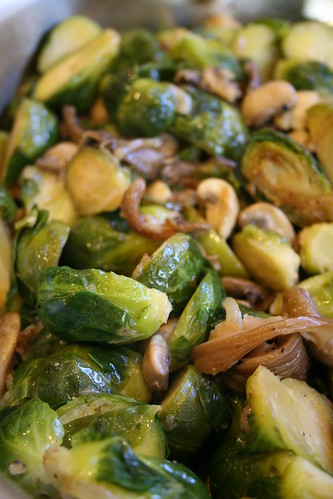 brussel sprouts with mushroom and pearl onions