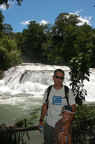 Agua Azul - 06 Father and Son