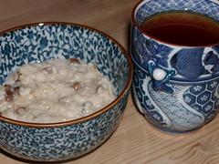 God morgenmad: havregrød og te