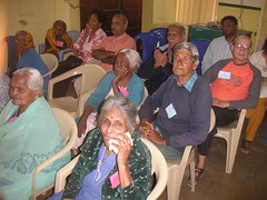 Fins Show at Old Age Home