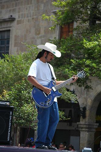 Guadaljara - 03 - Rock Player