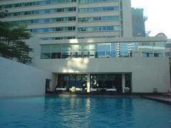30.The Metropolitan酒店的游泳池 (2)