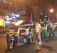 39.泰國經典的嘟嘟車(Tuk-Tuk)
