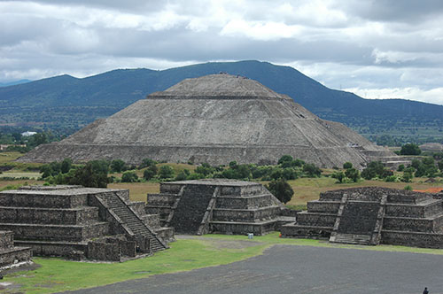 Teotihuacan - 26 - The pyramid of the sun
