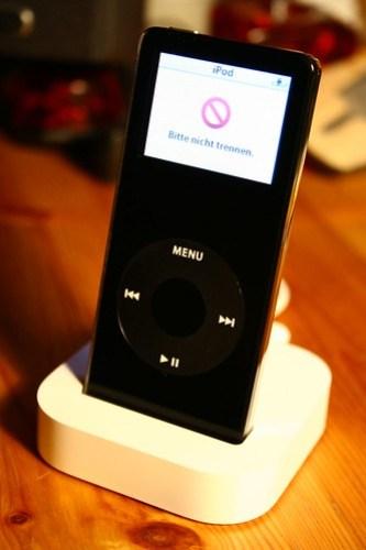 iPod nano im Dock
