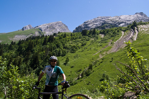 Carrying bike down Col des Annes