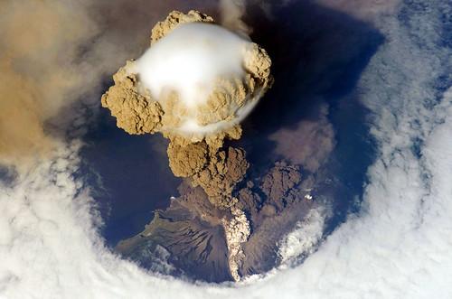 Explosive And Non-Explosive Volcanoes Deadly Ash Benefits Of Volcanoes