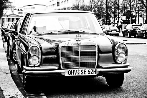 Old Mercedes Benz S-Class