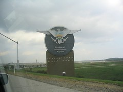 Image of the sign welcoming people to the Pittsburgh International Airport