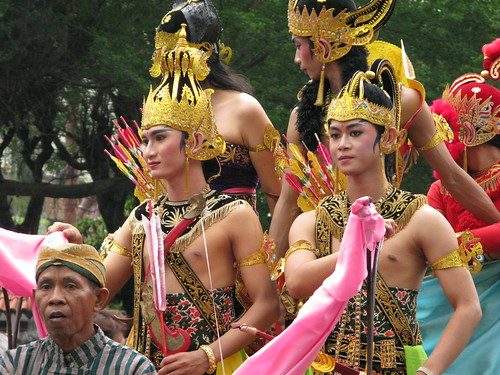 World Heritage Parade Solo 1