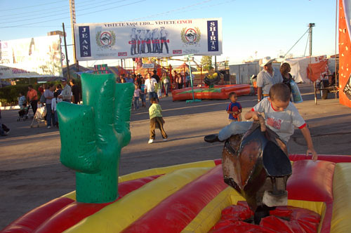 Chihuahua Feria - 06 - Ohad on Mech Bull