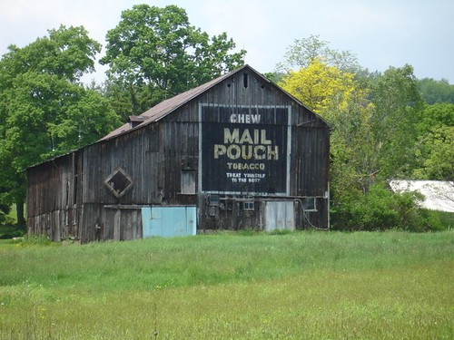 A barn side Mail Pouch tobacco ad, from the days of yore.