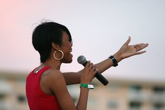 Michelle Williams sings the national anthem at the Nautica South Beach Triathlon 2009