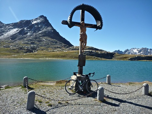 Lake near top of Passo Gavia
