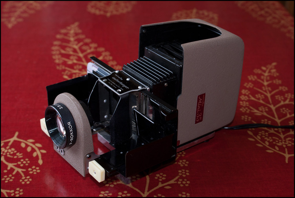 Minolta Mini 35 slide projector kit (11 of 13).jpg
