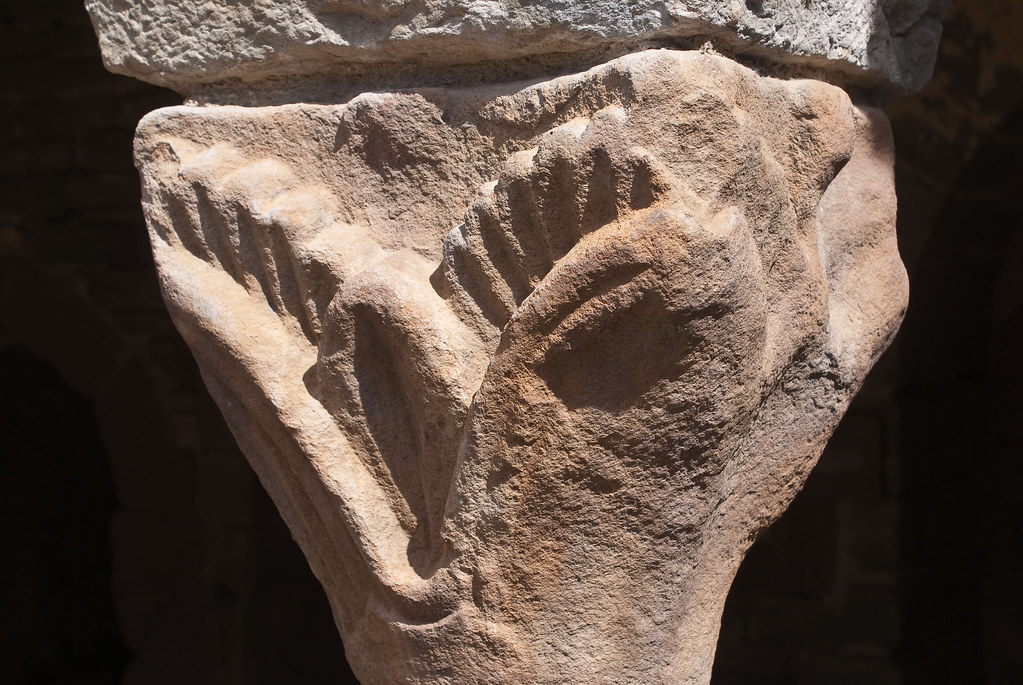 Monestir de Sant Pere de Casserres capital 1