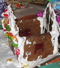 gingerbreadhouse17