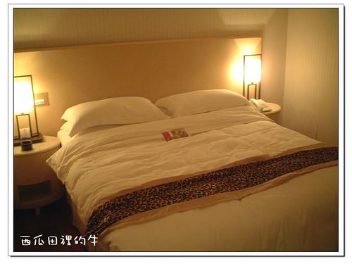 河堤精品旅館-床