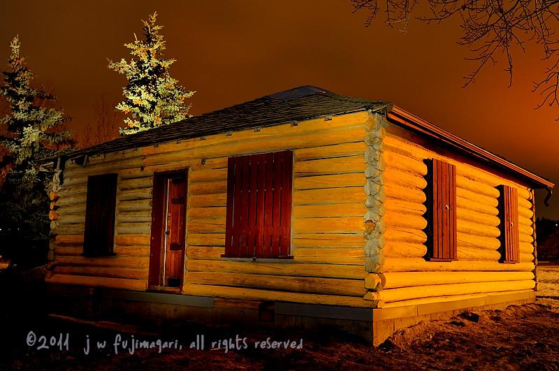 Log Cabin Light