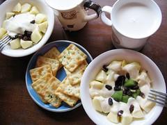 crackers, apple, kiwi, yogurt, milk