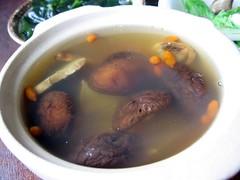 mushroom and 干貝 soup