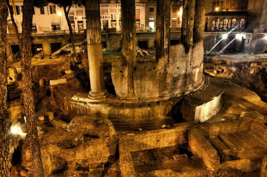 Roman Ruins, Full o' Cats