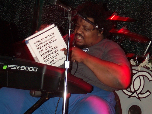 Wesley Willis at his keyboard.