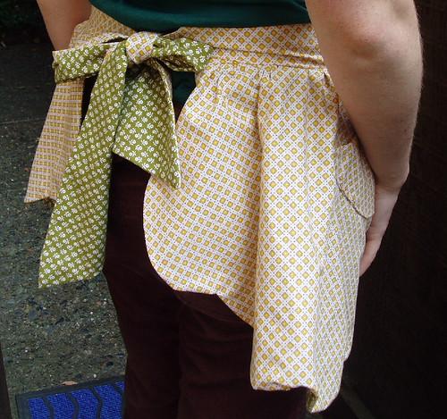 yellow apron back