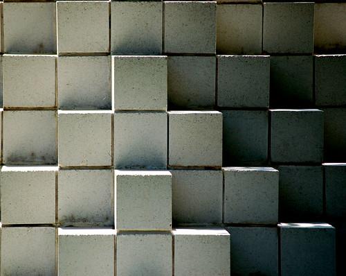 Sol LeWitt, Four Sided Pyramid