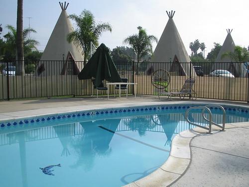 Wigwam Motel pool