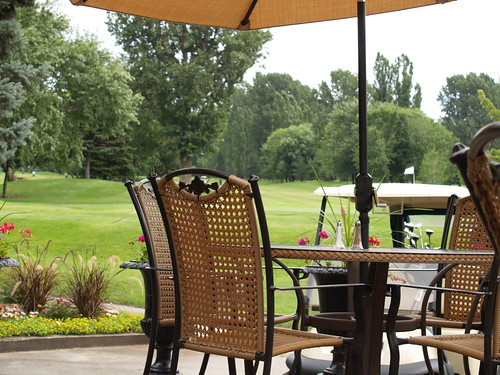 A patio right on the golf course
