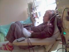 Nilda... durante una sesión de diálisis, al lado m�o