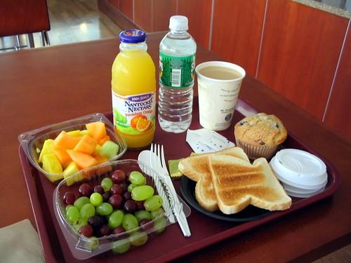 Desayuno cafe y jugo de naranja