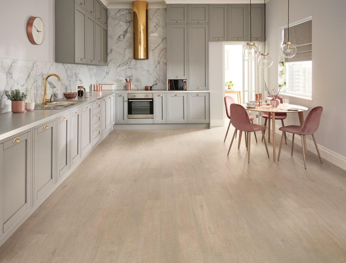karndean knight tile coastal sawn oak kp136 vinyl flooring