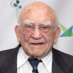 Ed Asner, actor and activist best known as Lou Grant in 'The Mary Tyler Moore Show,' dead at 91 💥👩💥