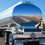 New Jersey police chase stolen tanker truck, smash windows to apprehend driver 💥💥