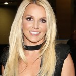 Britney Spears posts topless photos on Instagram as conservatorship battle rages on 💥👩💥