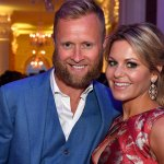Handsy photo of Candace Cameron Bure and her husband is their daughter's 'fave pic' 💥👩💥