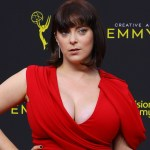 Rachel Bloom reveals she underwent breast reduction surgery: 'I already feel more comfortable' 💥👩💥