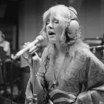 Stevie Nicks says she 'saved' herself from drug addiction: 'I survived by myself' 💥👩💥
