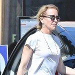 Felicity Huffman grabs takeout food with husband William H. Macy as she tries to make TV comeback 💥👩💥